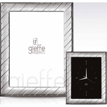 Ezüst fényképkeret - átlós mintával (18x24cm)