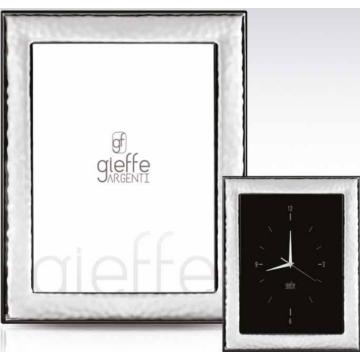 Ezüst fényképkeret - fényes, domborított (13x18cm)