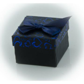 Kék doboz masnival