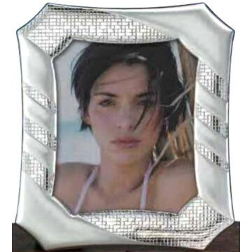 Ezüst fényképkeret - nyolcszögletű, átlós mintával (13x18cm)