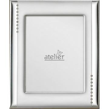 Ezüst fényképkeret - gyöngysor díszítéssel (9x13cm)