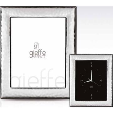 Ezüst fényképkeret - hullámos felülettel, tükörrel (20x25cm)