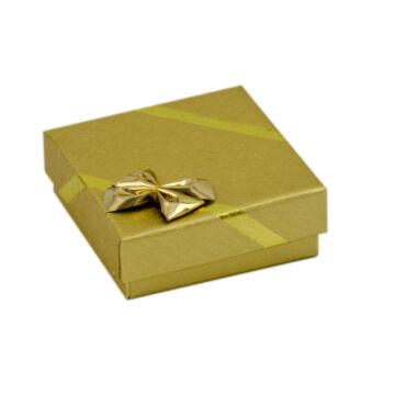 Arany színű kis doboz